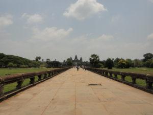 カンボジア アンコールワット バックパッカー